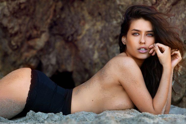 Alice Alexandra Paneaca by Alessandra Fiorini Photography for GUESS Photo-shoot