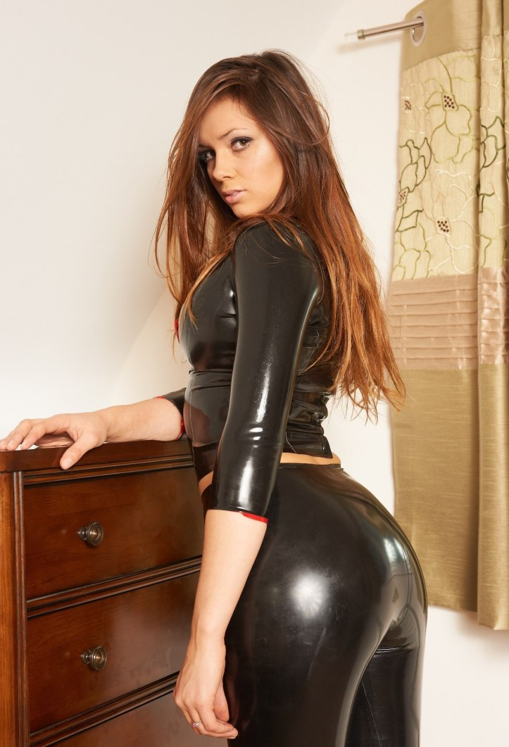 Alyssa Louisa Marie Posing In Tight Leather Pants From