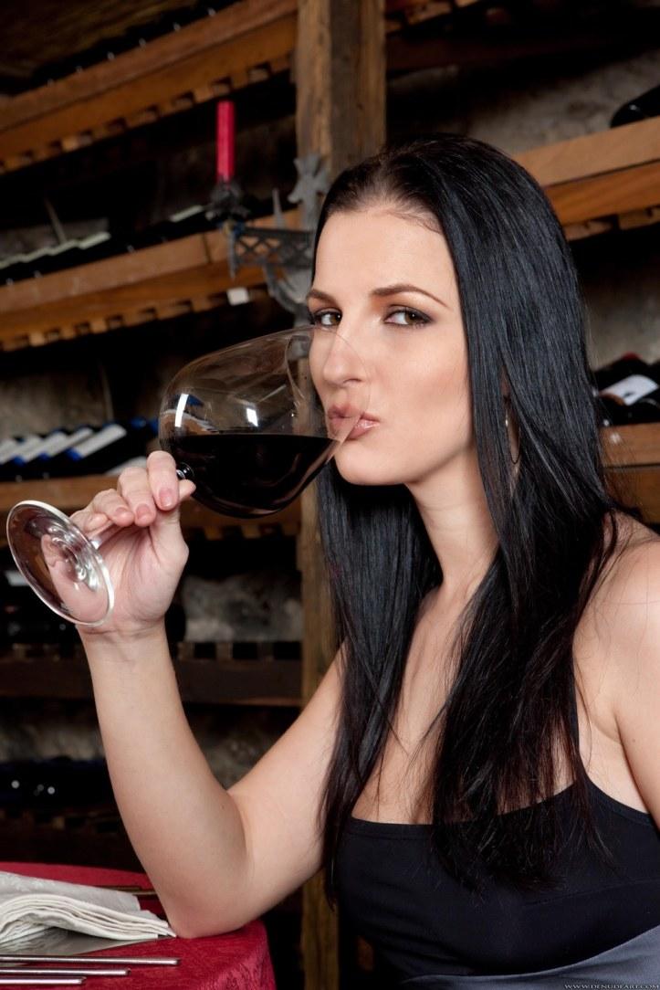 Beautiful Model Walleria photo-shoot for denudeart.com