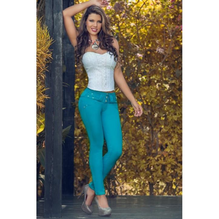Eliana Pinillos for catalogo of Gogo Latin Jeans (1)