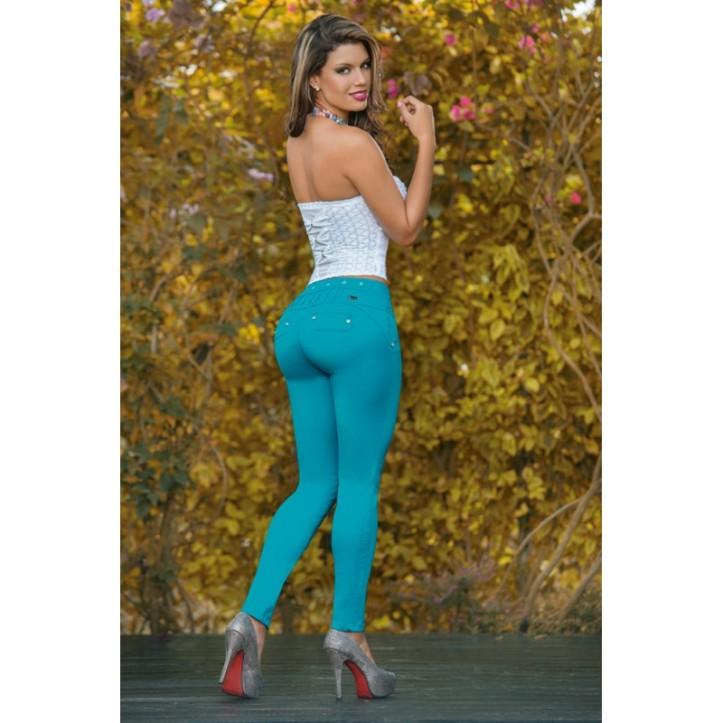 Eliana Pinillos for catalogo of Gogo Latin Jeans (2)