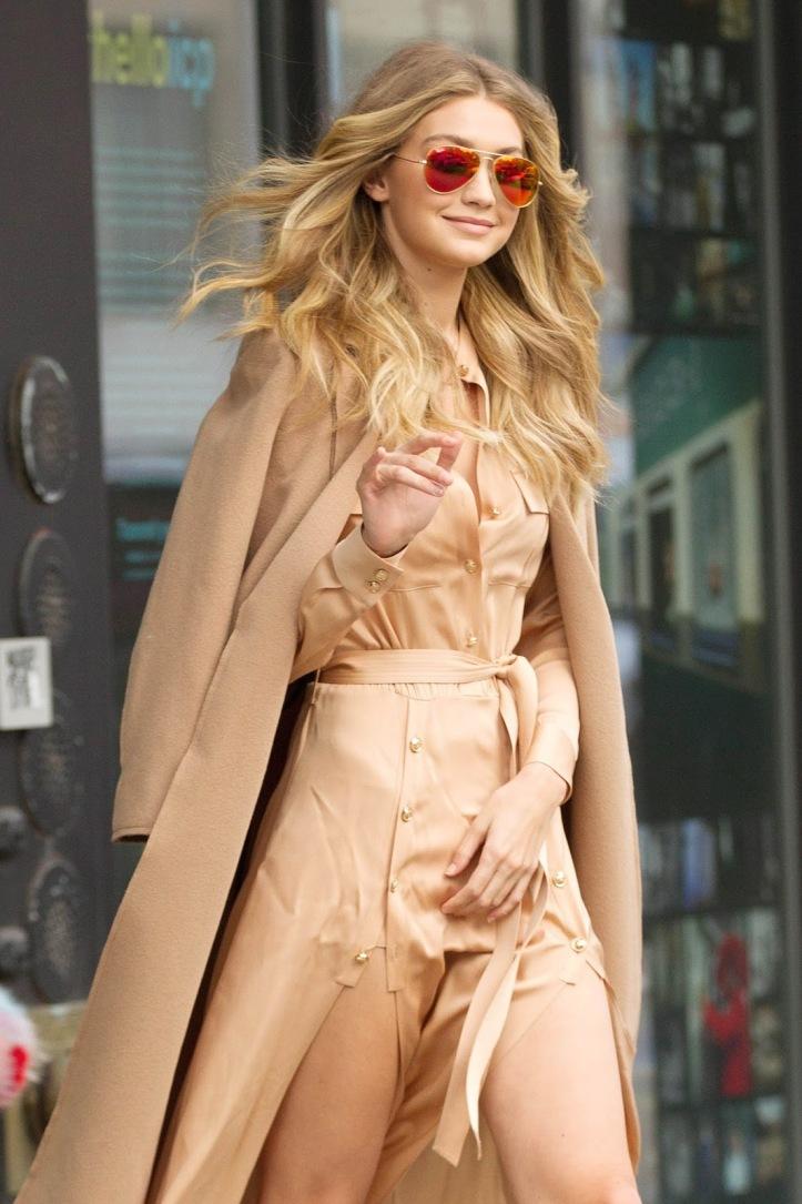 Model Gigi Hadid is seen walking in Soho on December 8, 2015 in New York City (3)