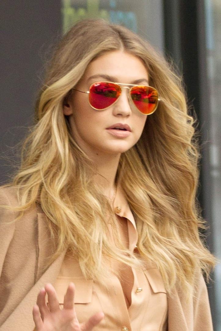 Model Gigi Hadid is seen walking in Soho on December 8, 2015 in New York City (4)