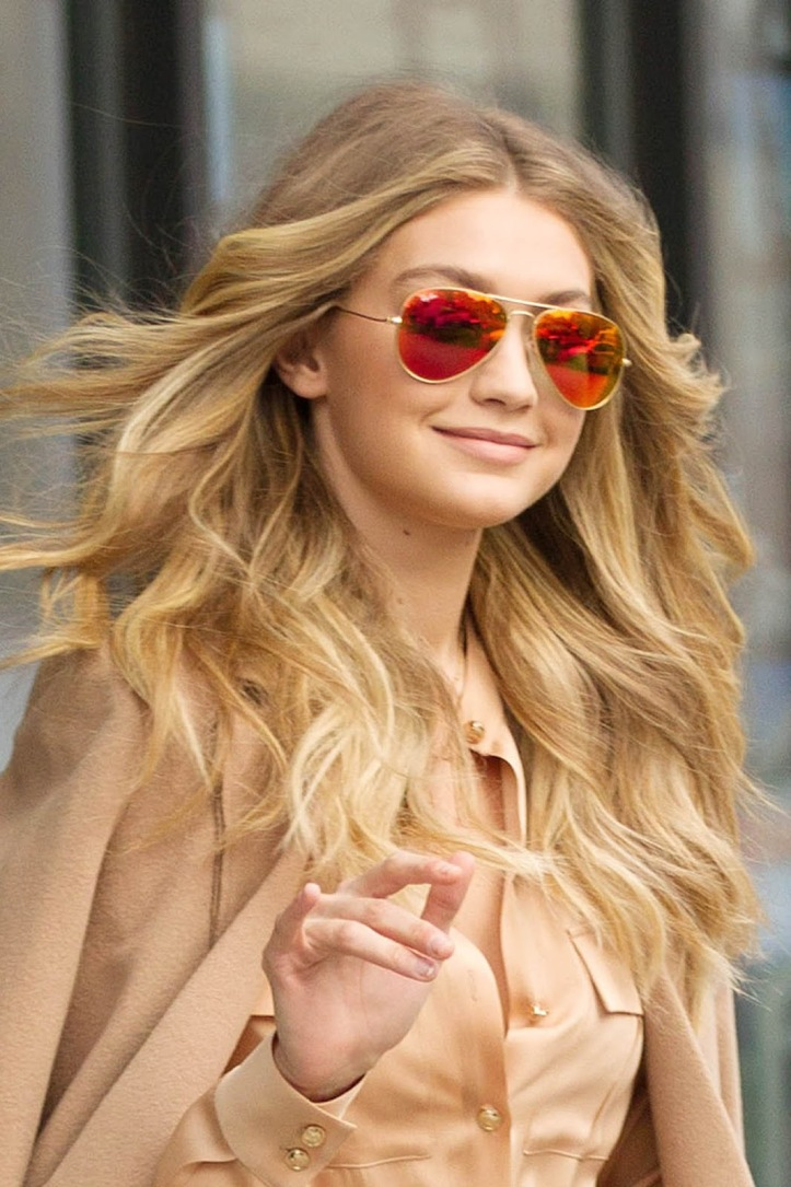 Model Gigi Hadid is seen walking in Soho on December 8, 2015 in New York City (5)