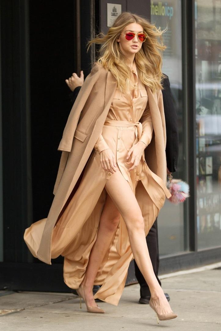 Model Gigi Hadid is seen walking in Soho on December 8, 2015 in New York City (8)