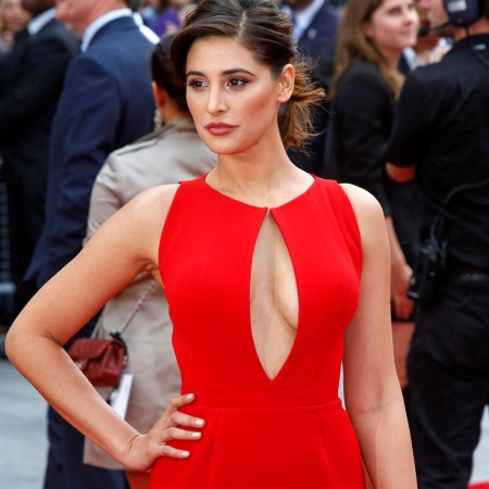 """Nargis Fakhri Mega Cleavage Show In Red Dress At """"Spy"""" UK Premiere At Odeon Leicester Square-London"""