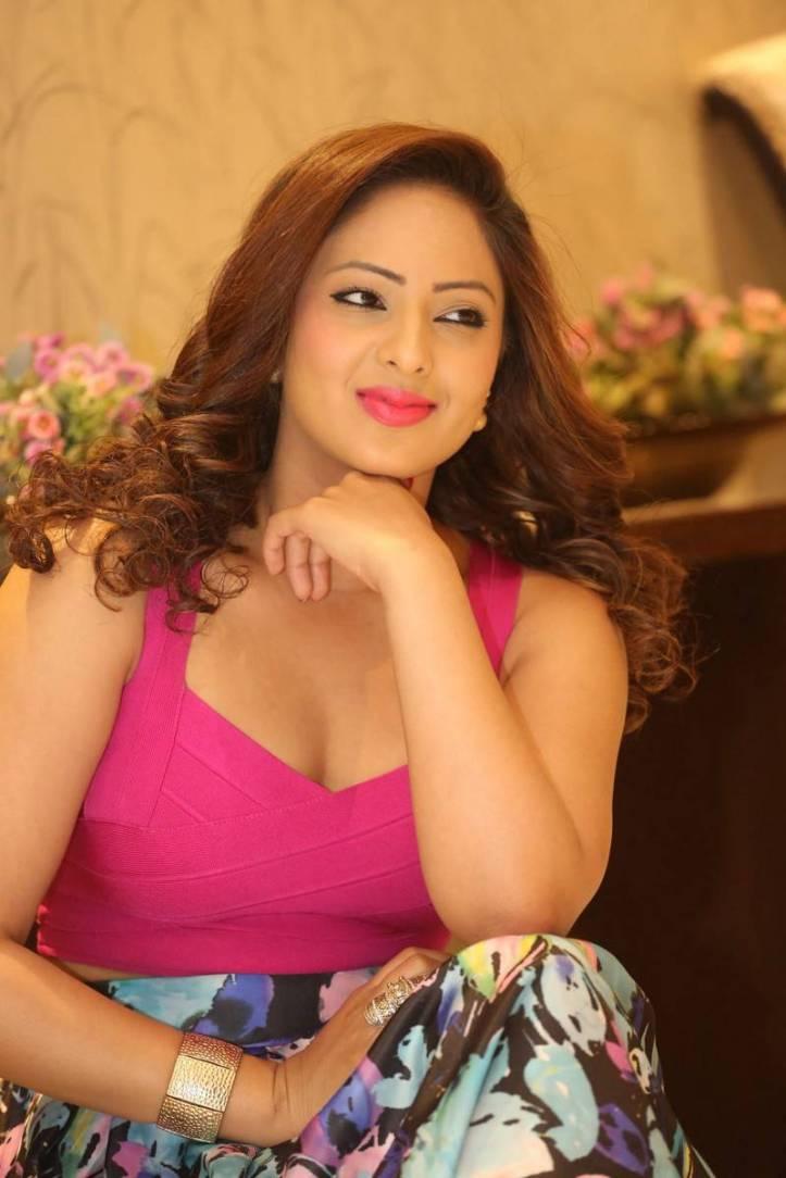 Nikesha Patel candid photography at Araku Road Lo Teaser Launch
