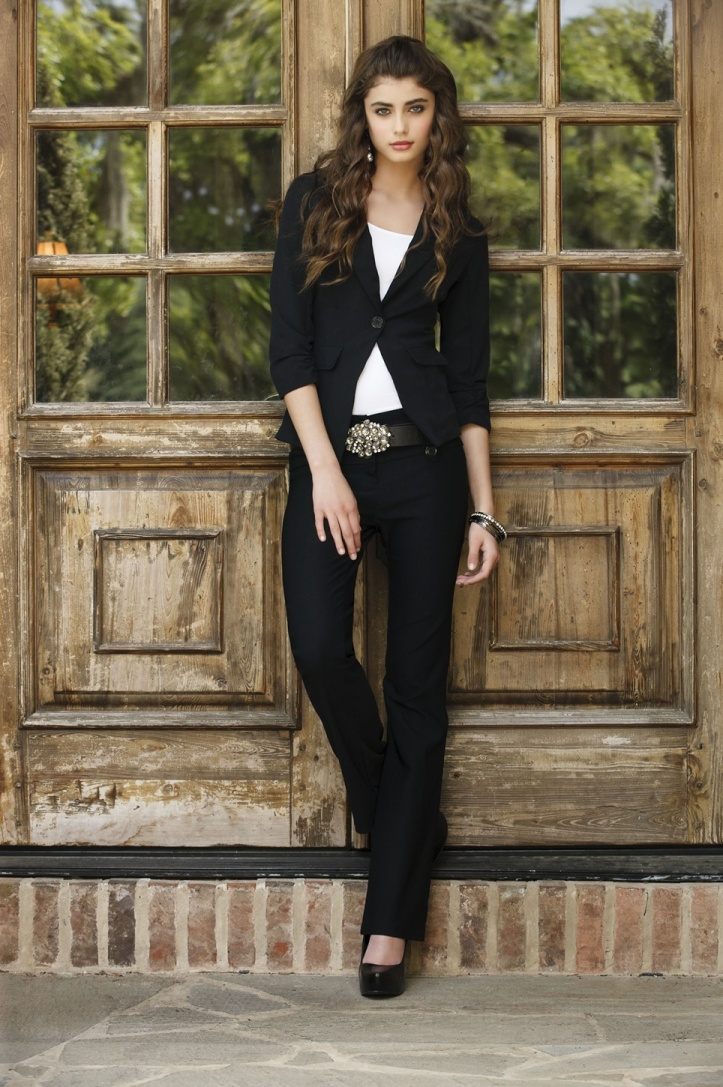 Taylor Marie Hill for Body Central Fall 2012 Photo Shoot (2)