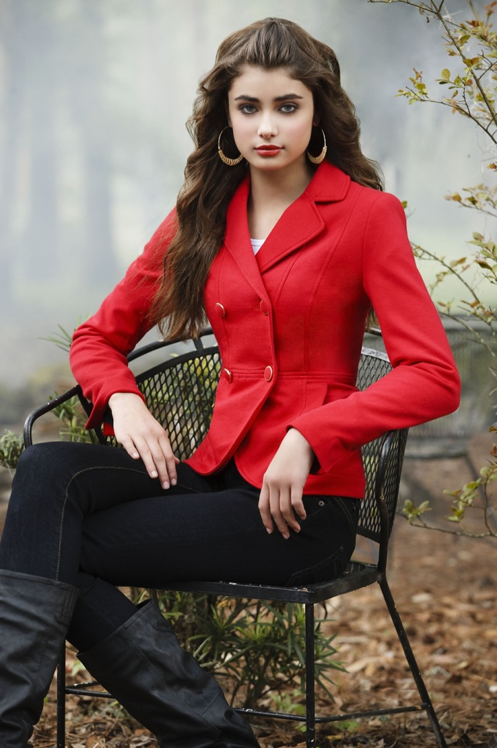 Taylor Marie Hill for Body Central Fall 2012 Photo Shoot (6)
