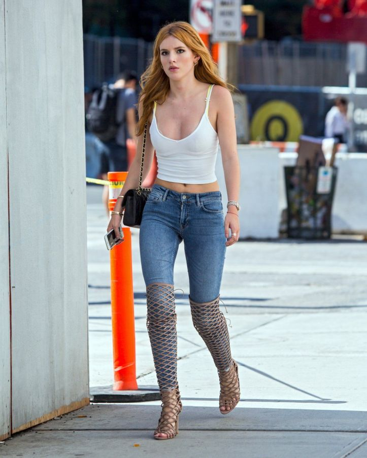 Bella Thorne Booty Fashion Candids Photography in New York