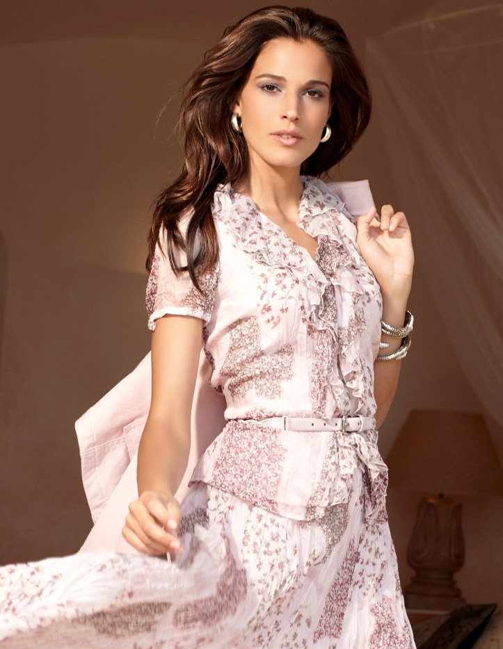 Chiara Baschetti for Christmas gift from Madeleine 2011 Collections
