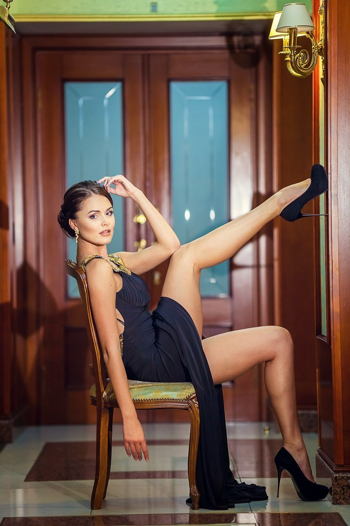 Gorgeous models in sexy high heels HQ photo collections