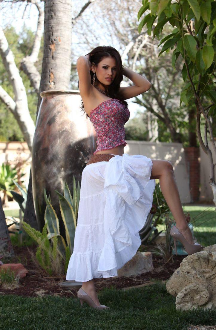 Hot Latina Model Vanessa Veracruz photo-shoot  (6)