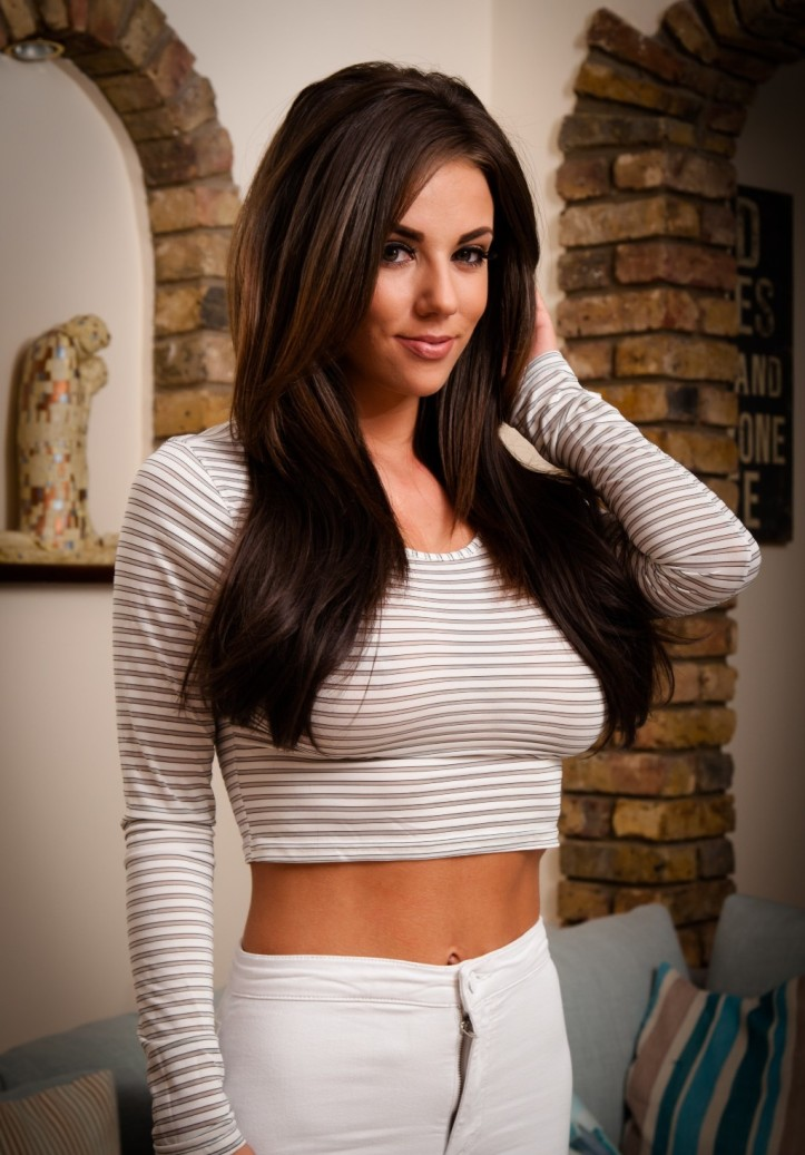 Rachel Williams in White Jeans from Skin Tight Glamour