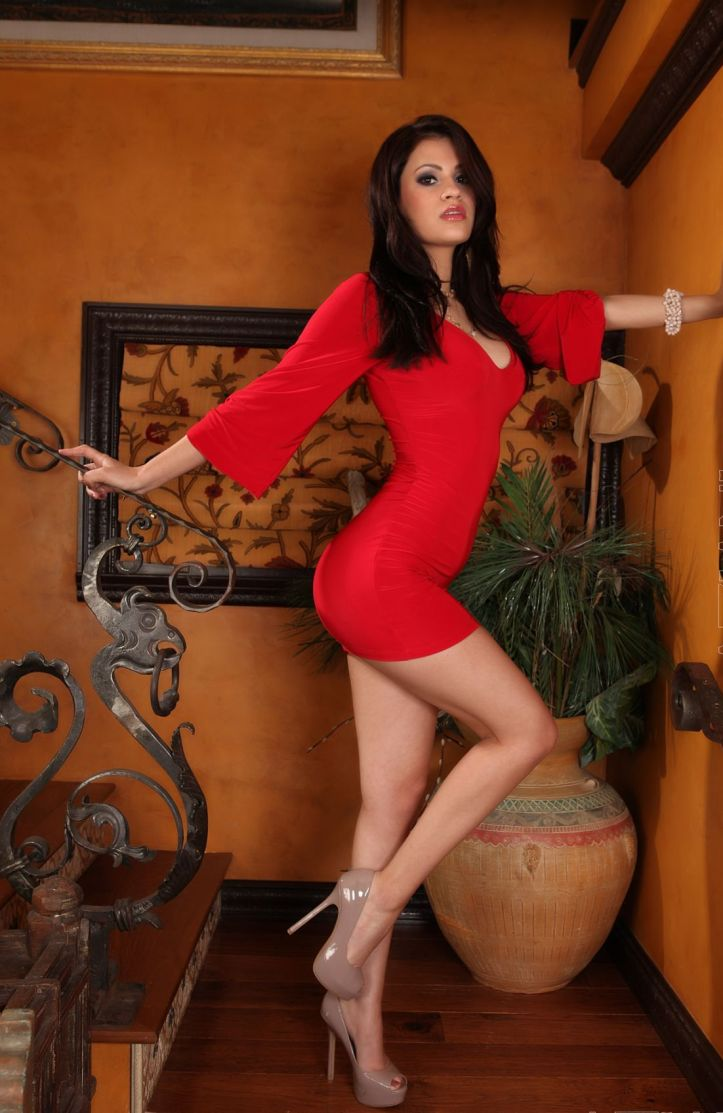 Vanessa Veracruz hot photo-shoot for Aziani.com