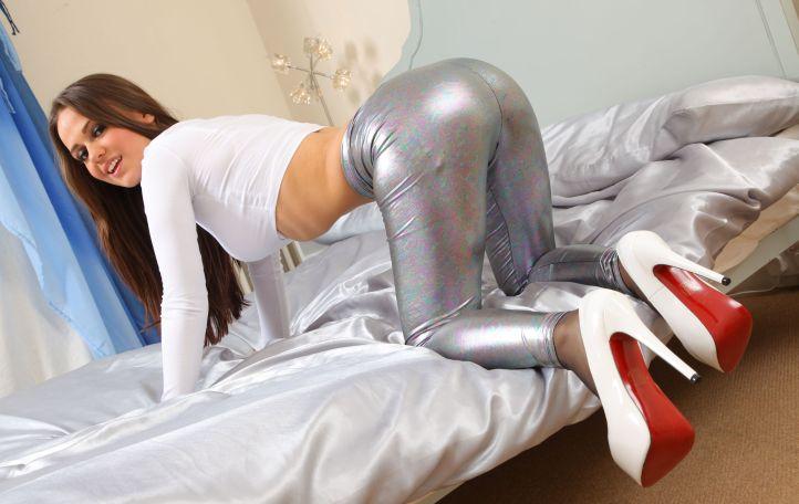 Emma Kuziara aka Emma K British Glamour Model in tight leggings outfit
