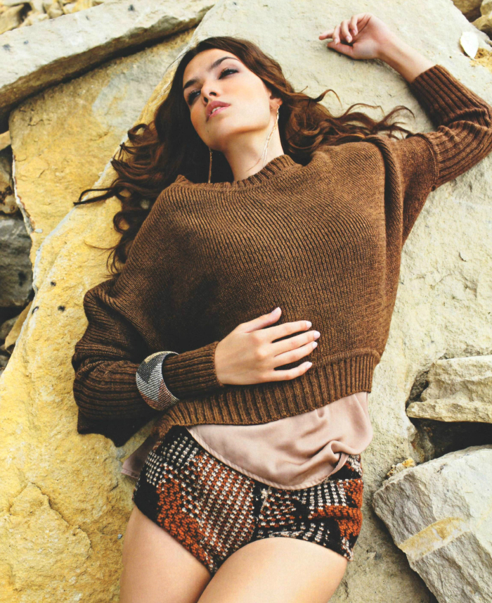 Eva Dobar for Cosmopolitan Hungary September 2011 (2)