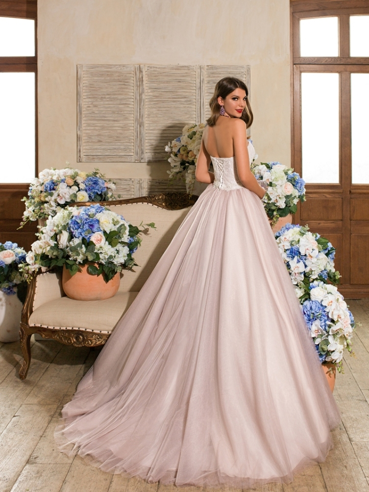 Models Lera and  Alena by Marina Danilova for Ladianto Wedding Dress Collection Spring Summer 2016 (16)