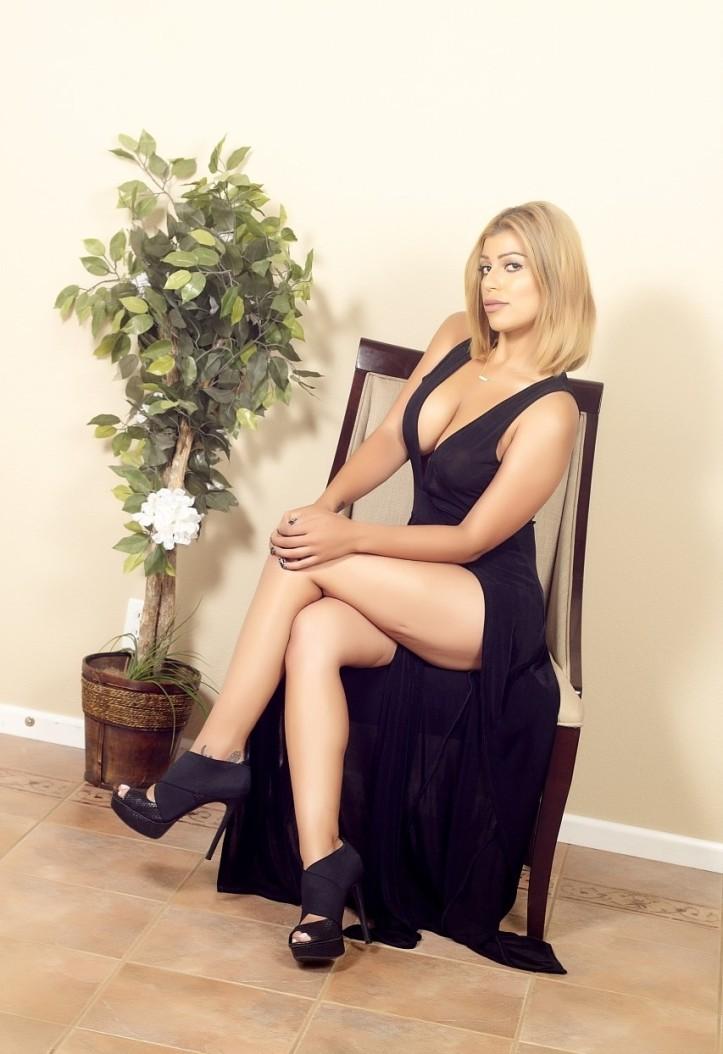 Briana Lee in a long black dress photo-shoot (6)