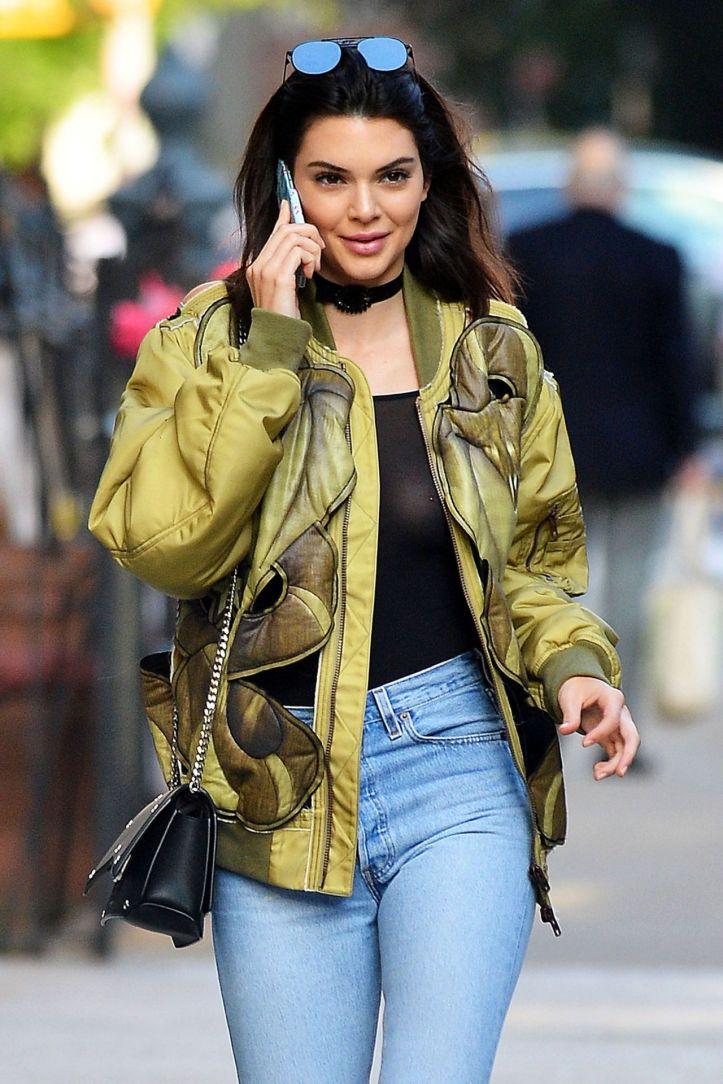 Kendall Jenner  in urban outfit at New York city on June 21-2016 (1)