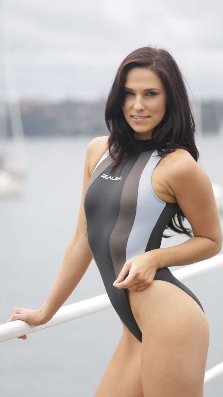 Maddison photo-shoot for Swimsuit-Heaven (10)