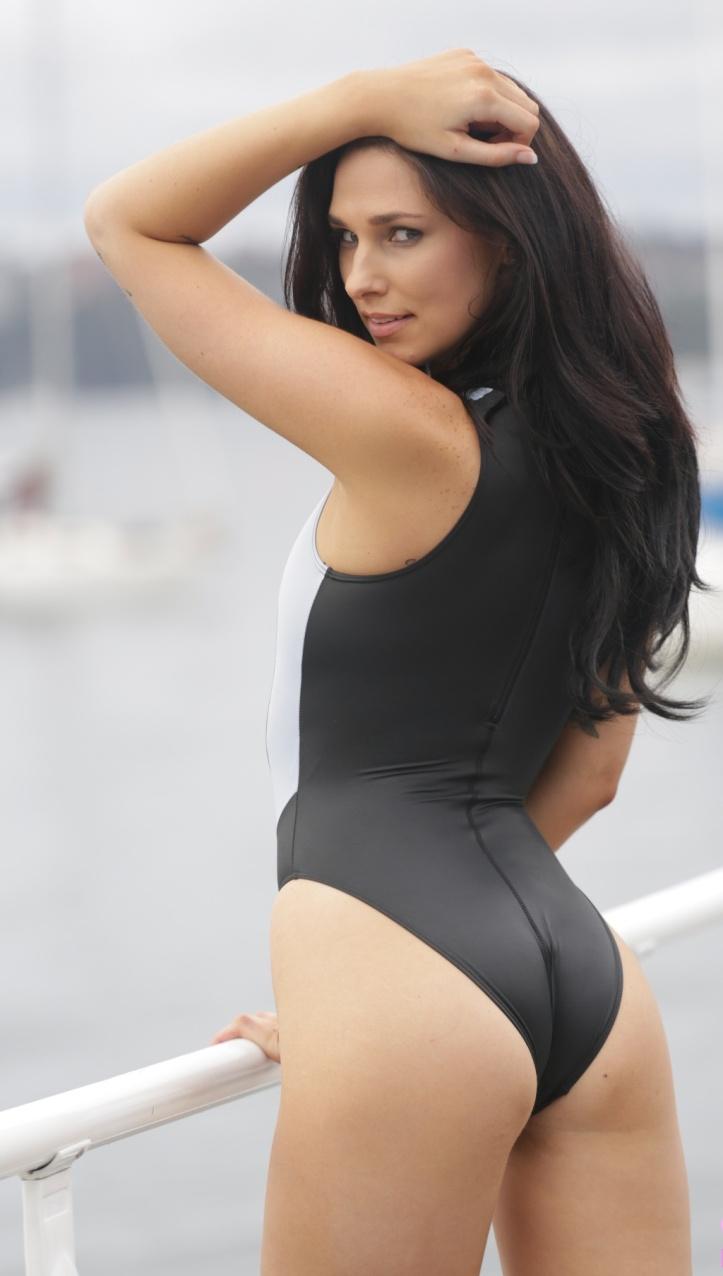 Maddison photo-shoot for Swimsuit-Heaven (9)