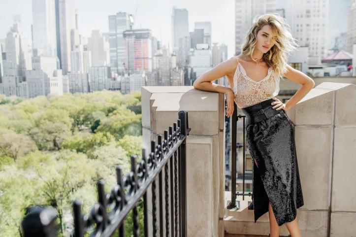 Rosie Huntington Whiteley – Vogue Thailand Magazine July 2016 (3)